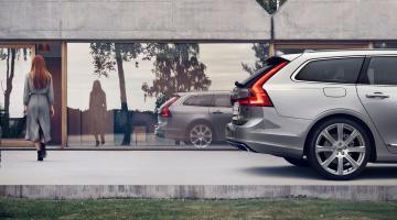Volvo v90 plateado